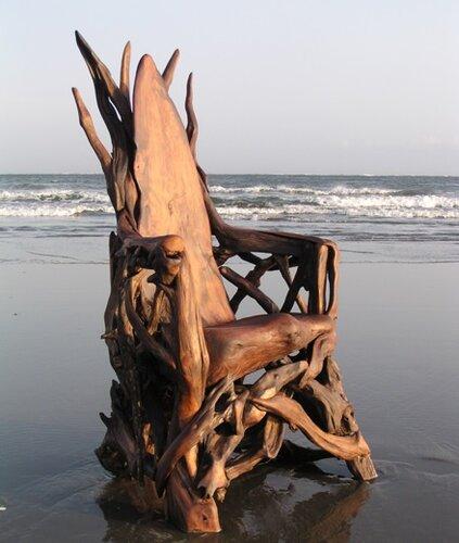 Произведения искусства из коряг