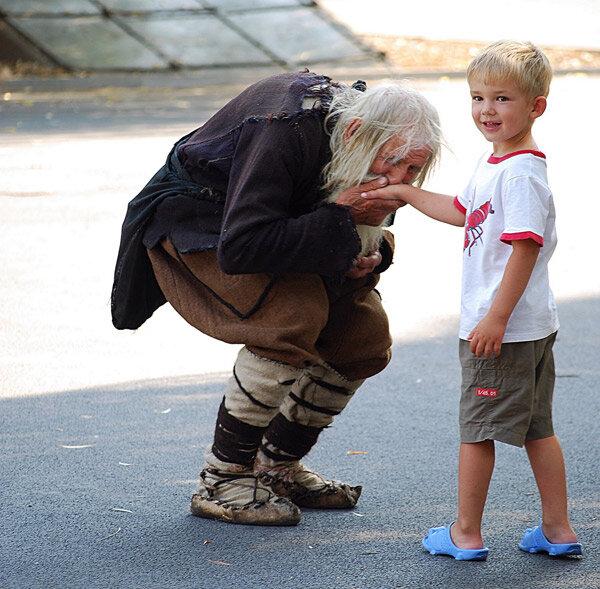 Дедушка Добри