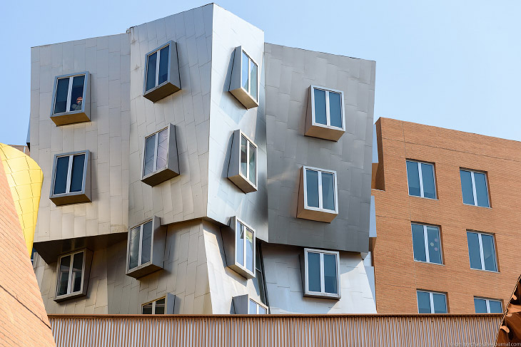 2. Все здания в кампусе Массачусетского технологического института пронумерованы, Stata Center имеет