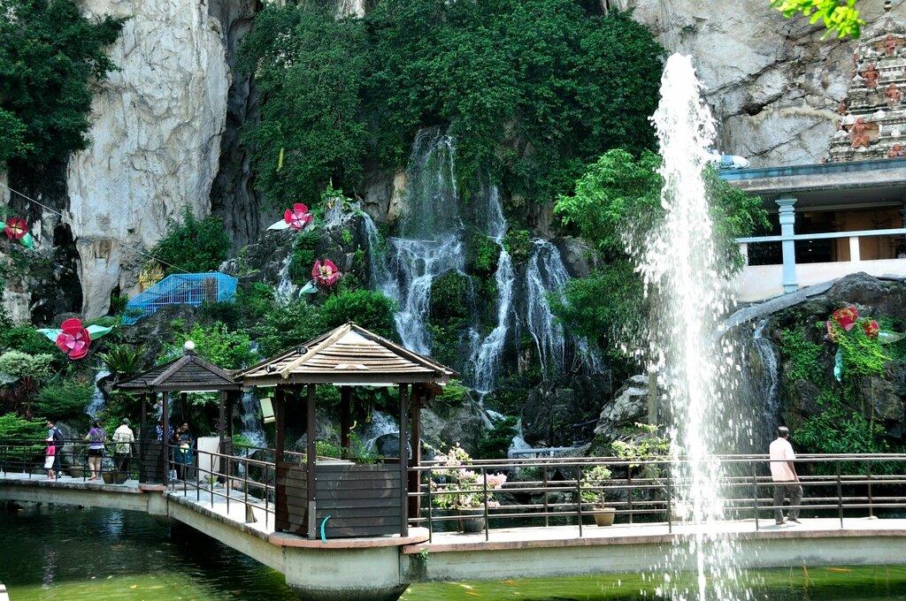 Пещеры Бату достопримечательности Куала-Лумпур