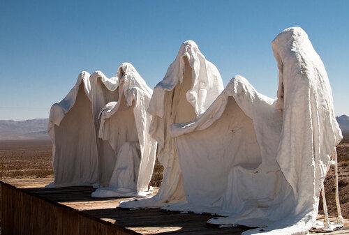 Долина смерти. Привидения
