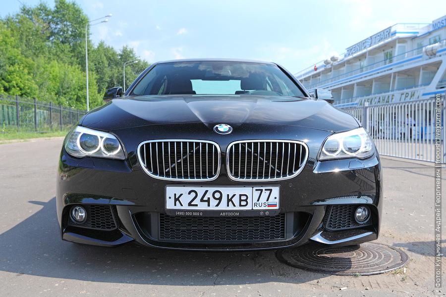 BMW 520i в Северном речном порту Москвы
