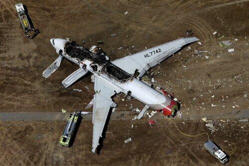 Боинг-777 разбился при посадке в Сан-Франциско