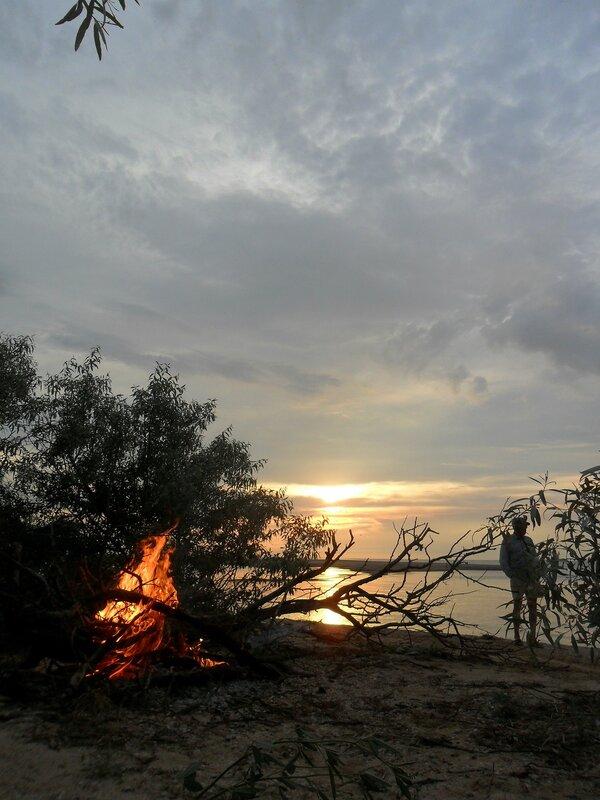 В июне, на берегу