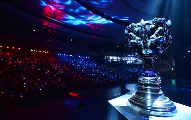 Второй раз победителями игры League of Legends стала одна и та же команда