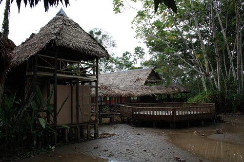 Икитос, Heliconia Amazon River Lodge
