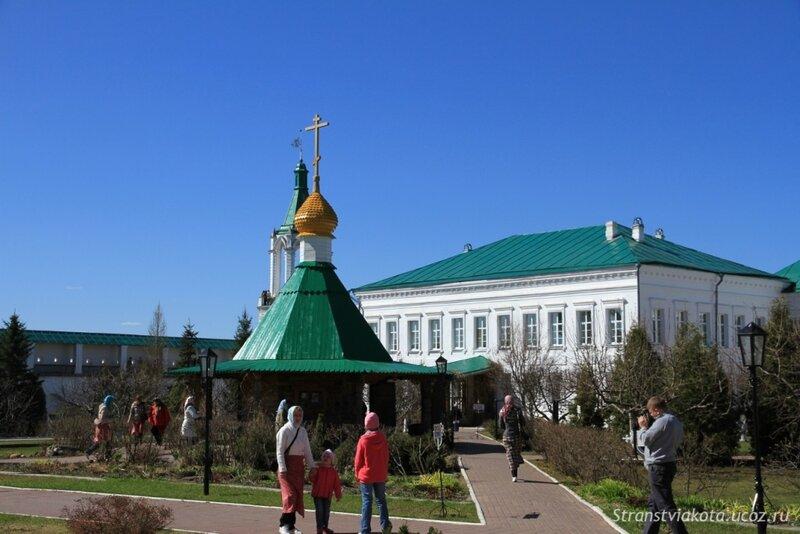 Ростов Великий, Спасо-Яковлевский Димитриев монастырь