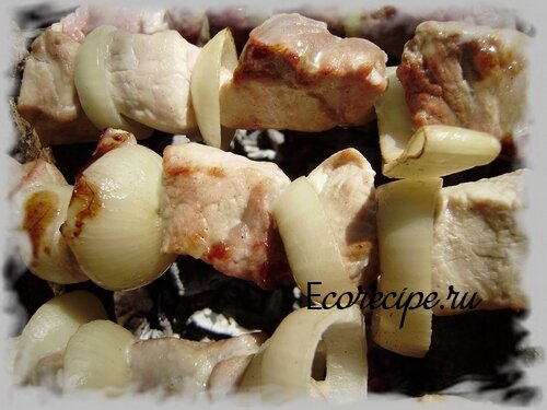 Приготовление шашлыка из свинины