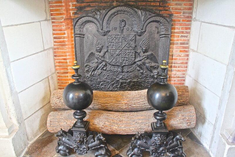Камин замка Шенонсо.