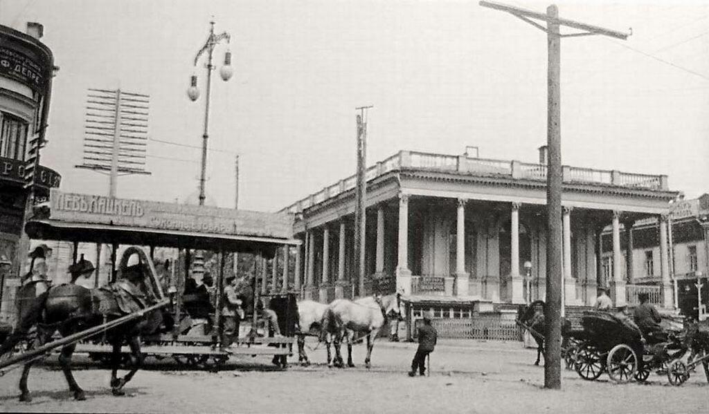 Здание биржы.
