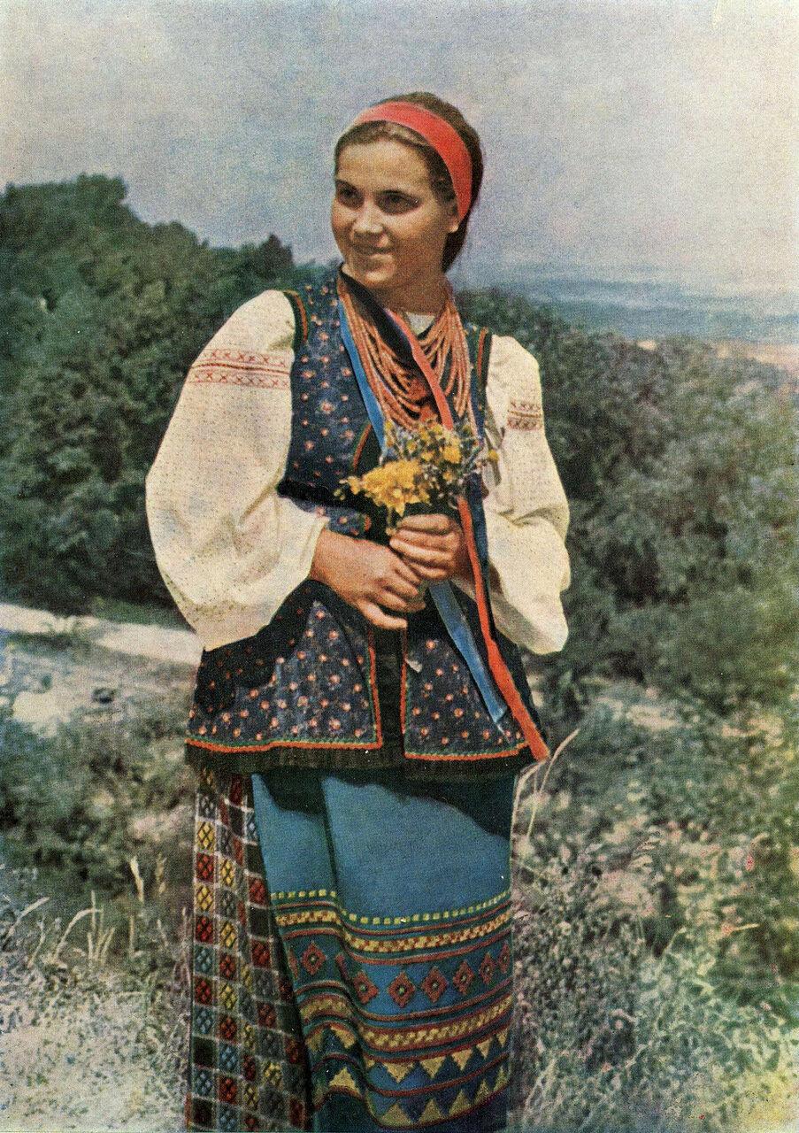 Девушка в летней одежде. Черниговская обл