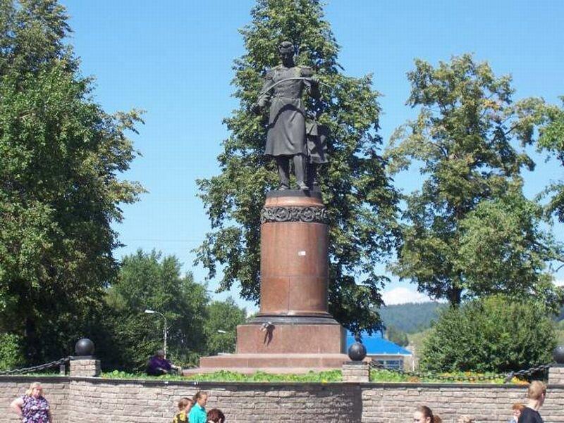 Памятник Аносову Павлу Петровичу (27.05.2013)