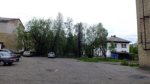 Фото города Инта №4680  Кирова 36 (поликлиника №1), 34а (д/с