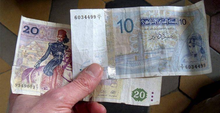 5. Они считают чужие деньги Местные парни и девушки очень любят дорогие вещи. При этом тунисцы посто