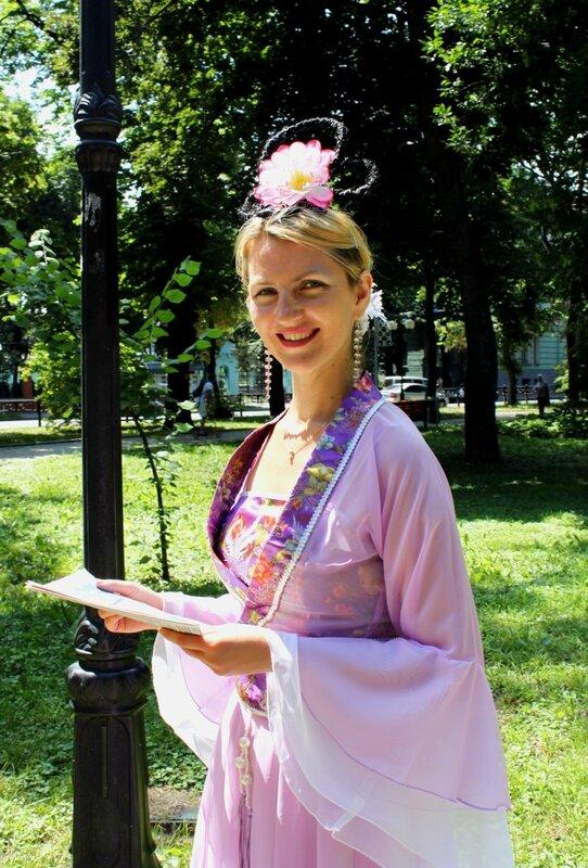 Участница фестиваля Фалунь Дафа