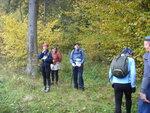 Пешая группа Саши Бахвалова тоже была рада встрече с медленными бегунами в лесу на дороге к Чичково