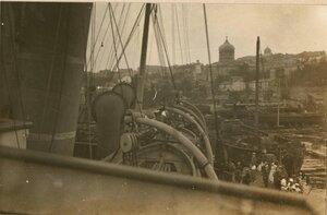Прибытие на катере в Севастополь.