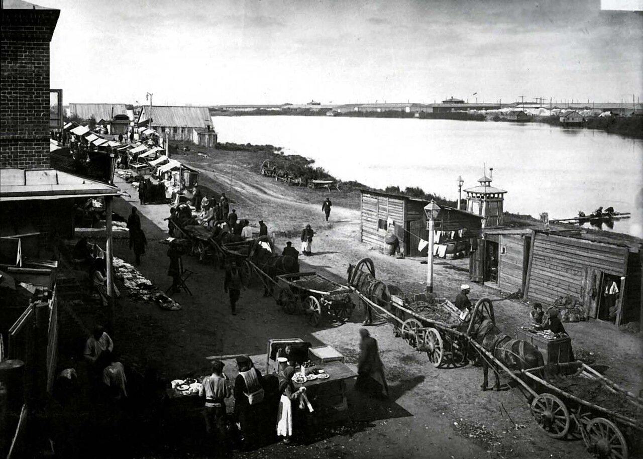 Нижний Новгород.1896 г. Общий вид на Лубочные ряды и Мещерское озеро