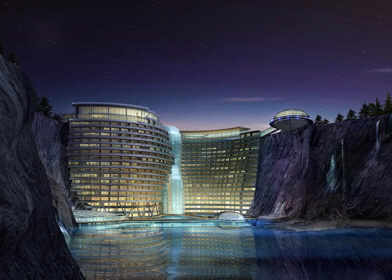 Необычный отель в скале