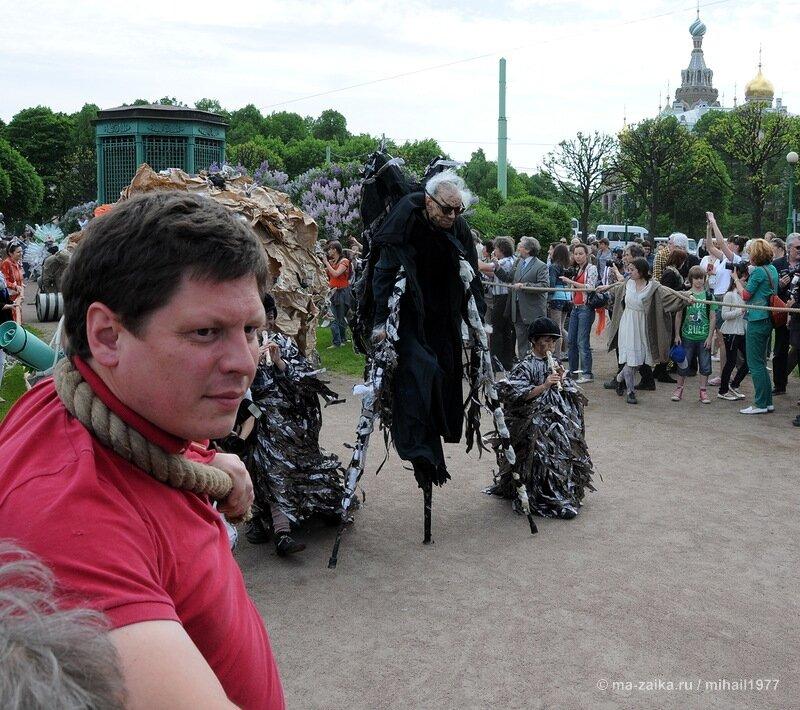 выставка Михаила Шемякина 'Тротуары Парижа', Санкт-Петербург, Марсово поле, 29 мая 2013 года