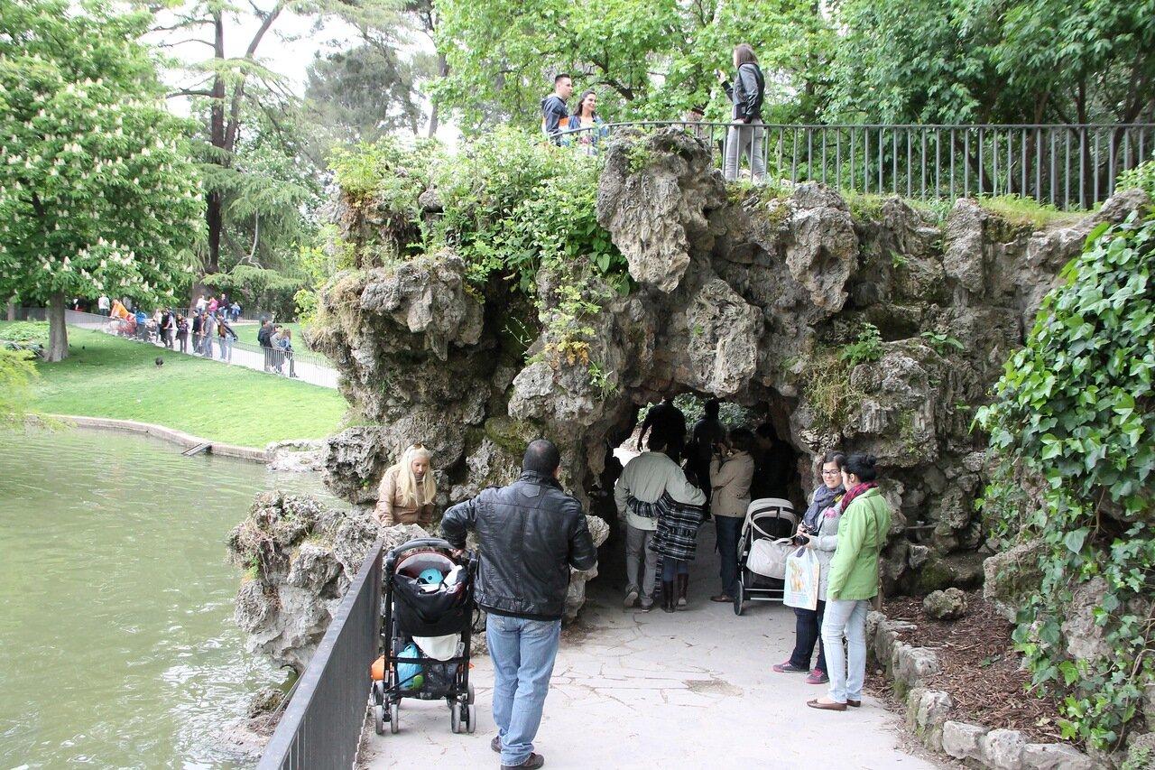 Мадрид, Парк Буэн-Ретиро. Фонтан 'Пещера' (Cascada de la Cueva)