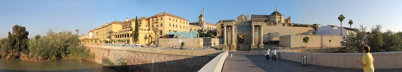 Cordoba. Puente Romano and Plaza del Triunfo. Panorama