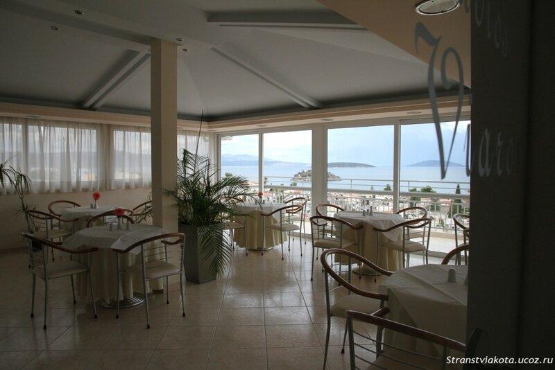 Ресторан для завтраков в Viaros Hotel