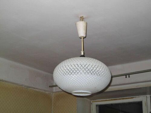 Фото 8. Источник короткого замыкания локализуется в цепи освещения кухни. Скорее всего, неисправен кухонный подвес.