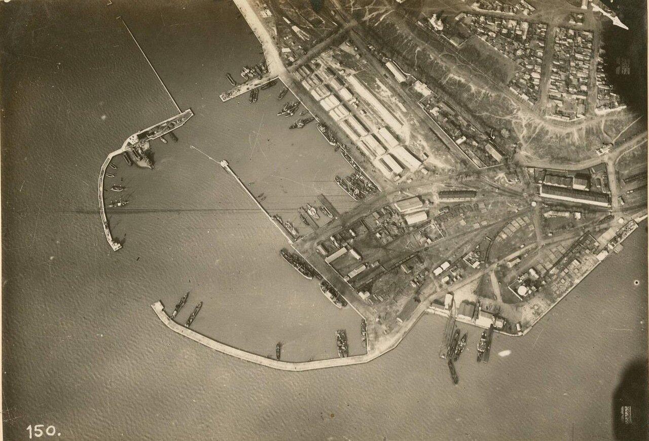 Вид таганрогского порта с воздуха.