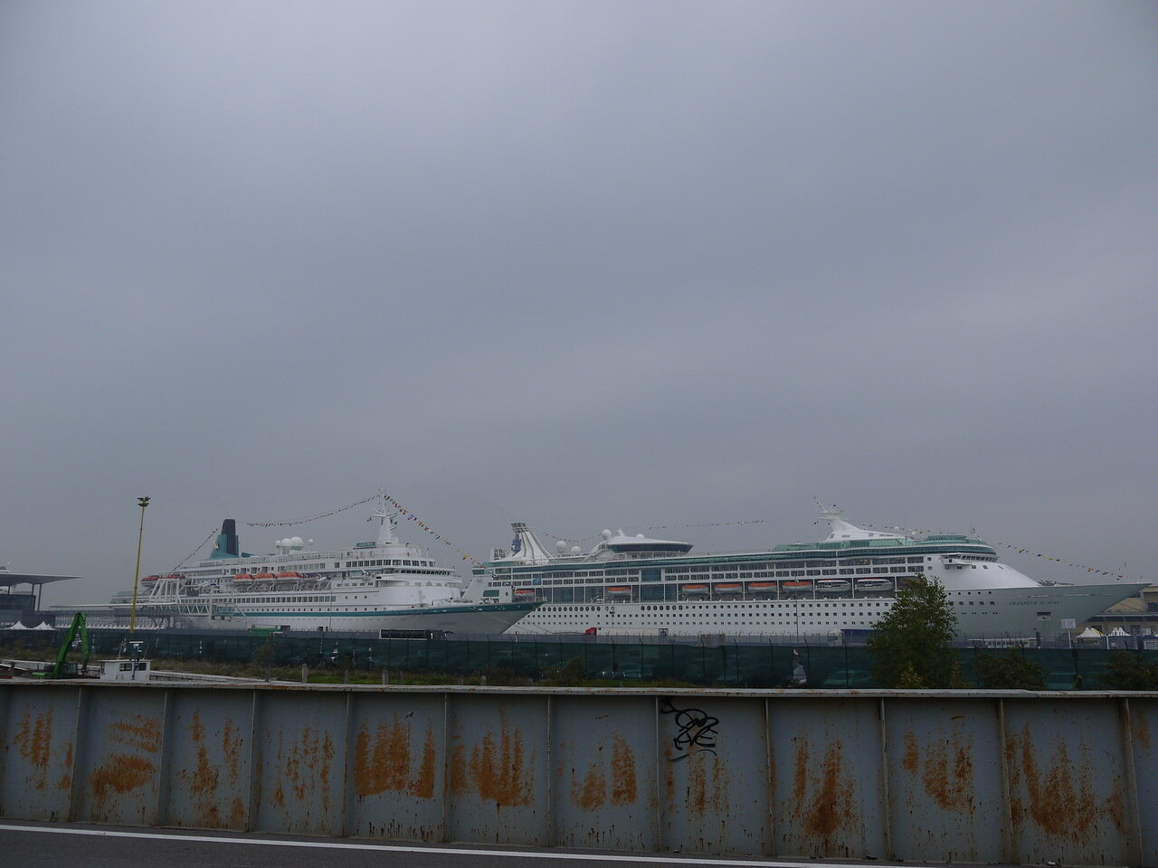 Круизные лайнеры в порту