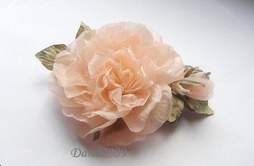 Gėlių gamyba iš medžiagos