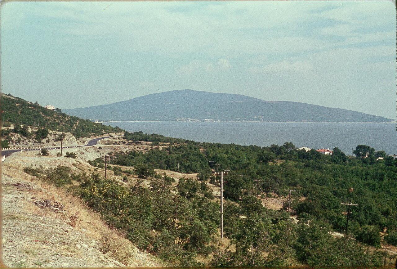 Геленджик. Побережье недалеко от Кабардинки (фотографировать запрещено)