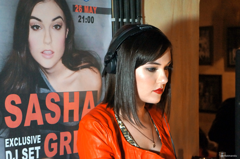 Саша грей в вечернем урганте 9 фотография