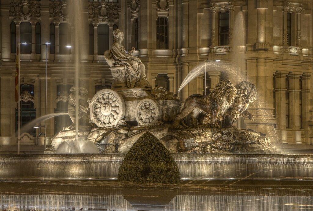 Ночной Мадрид. Фонтан Сибелес (Fuente de Cibeles). hdr