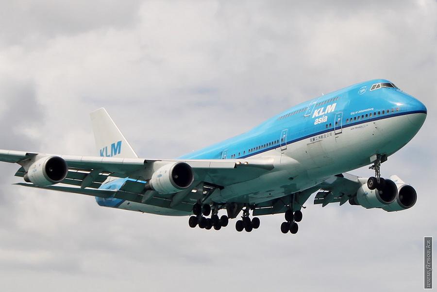 B-747_PH-BFY_KLM_1_SXM_for2_zpsce21d2e0.JPG