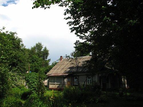 Дом и сад после грозы