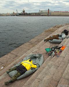 Отдыхающие (Нева, пара, Петербург, рыбак)