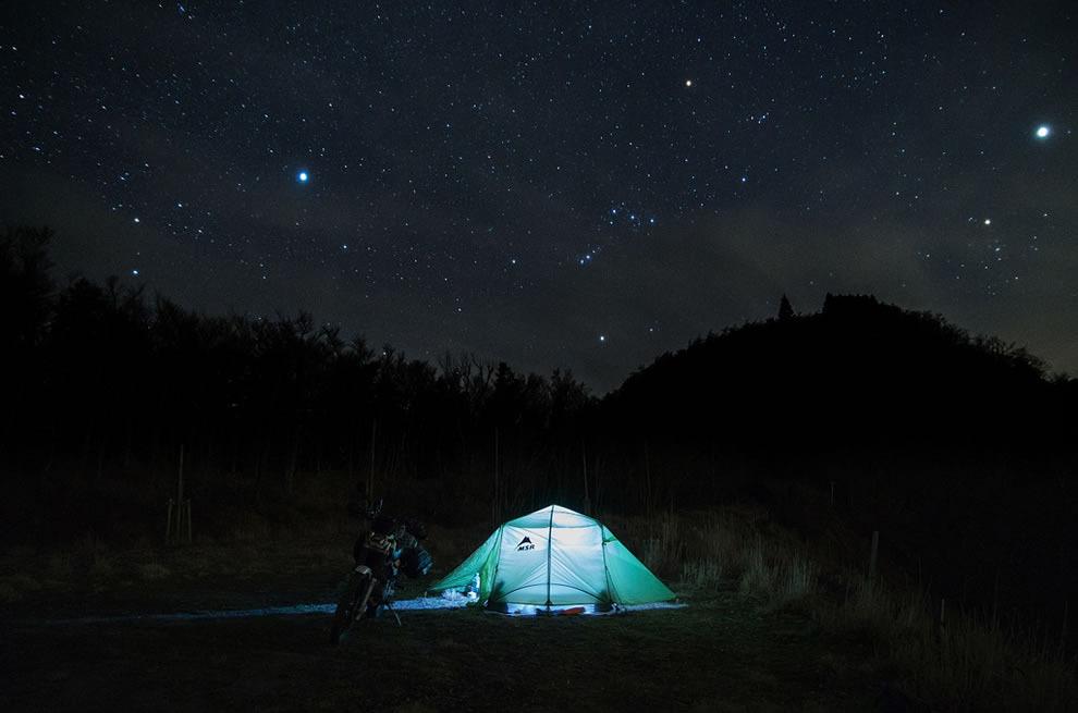 Секс в палатке на природе личное 12 фотография
