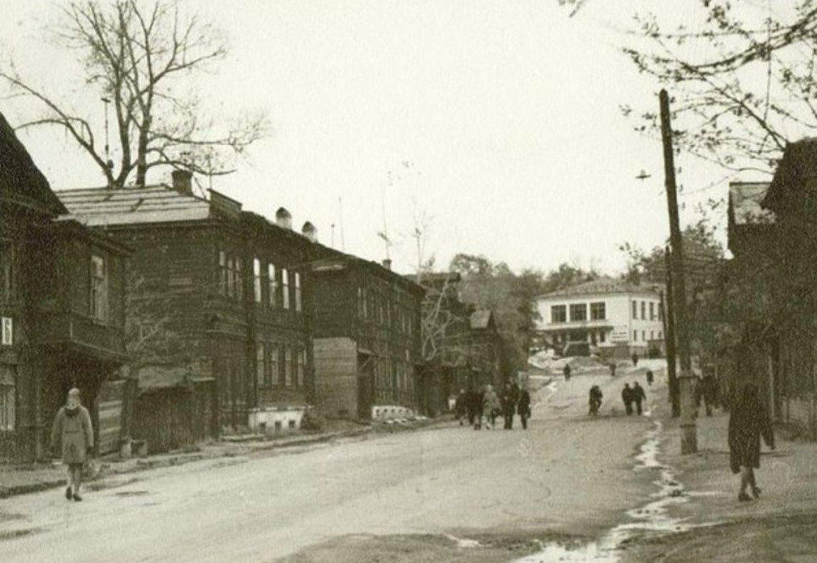 Кинотеатр Спутник у парка Кулибина.