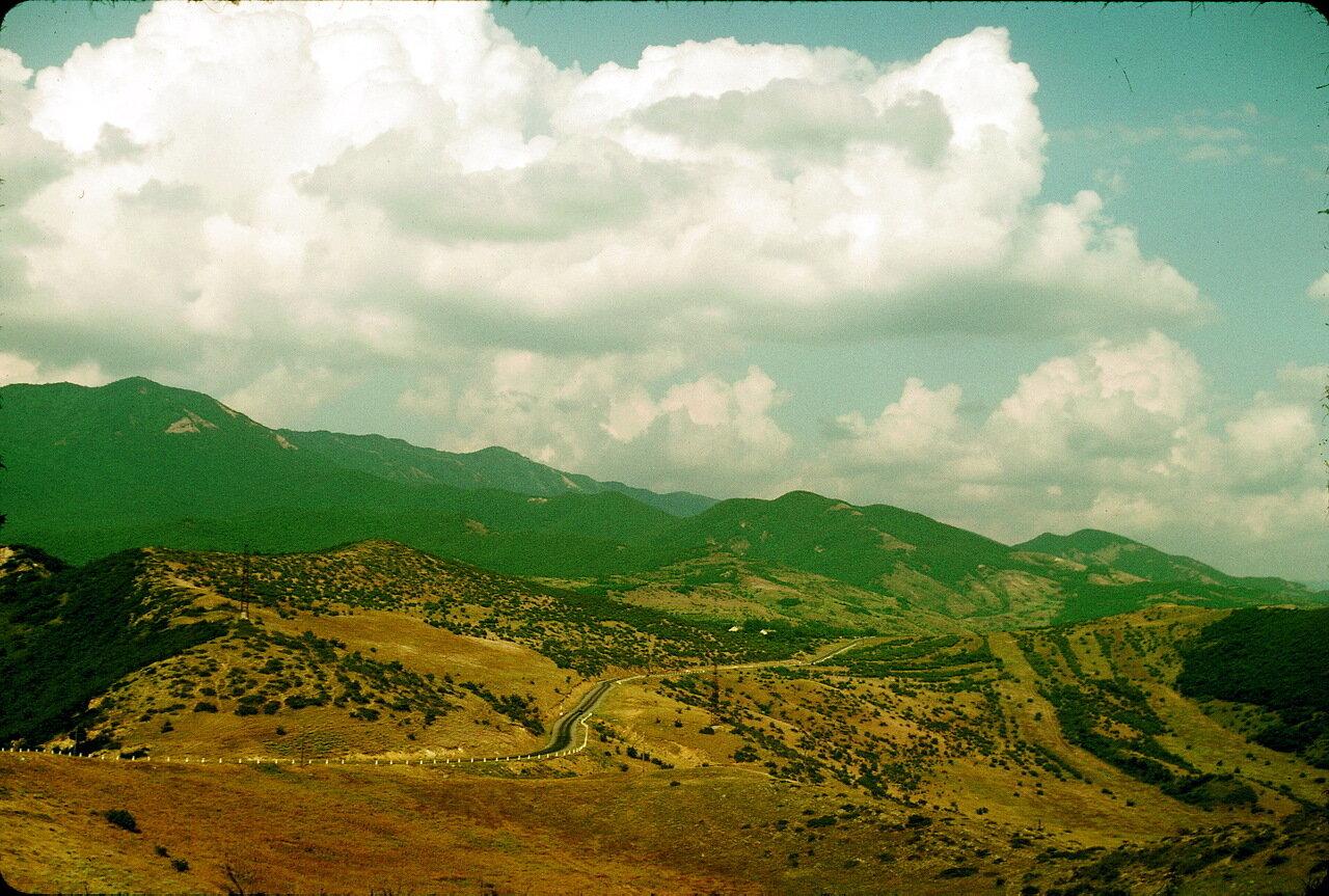 По дороге в Орджоникидзе. В горах Джвари