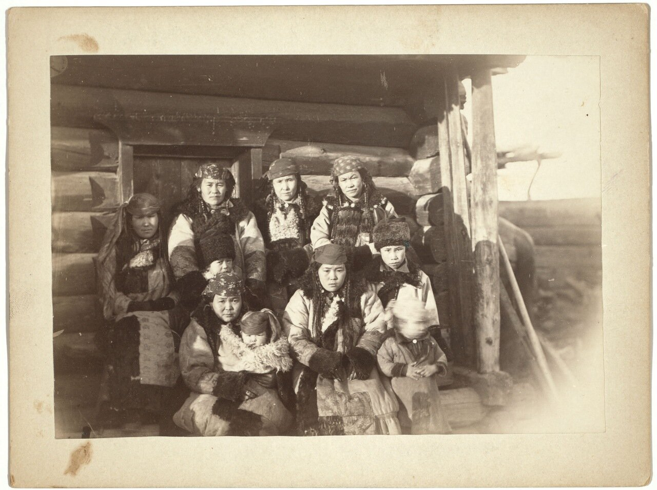 Татары в деревне под Минусинском