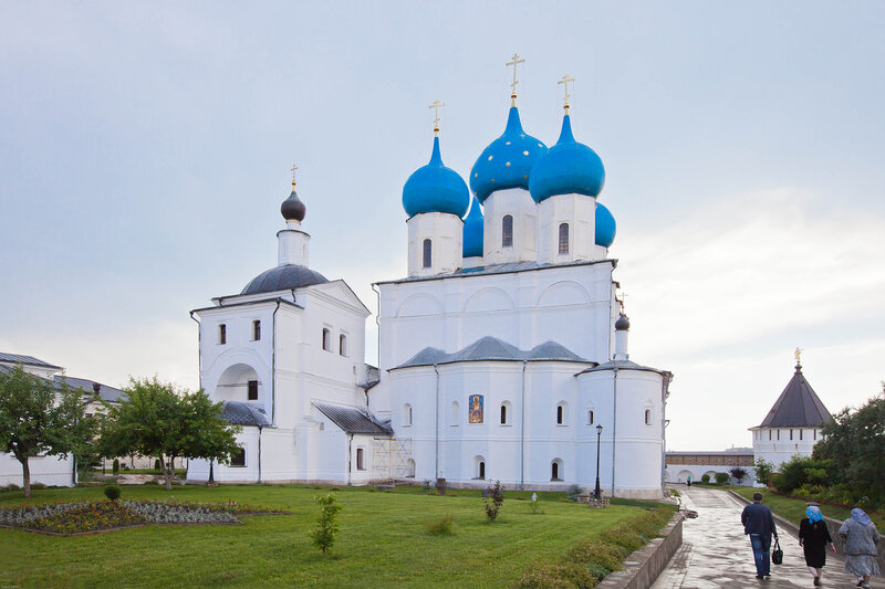 Высоцкий монастырь - Храм Сергия Радонежского и Зачатьевский собор
