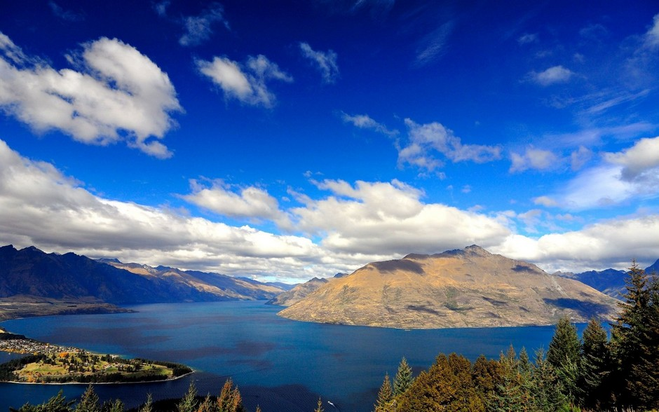 Озеро Уакатипу, остров Южный, Новая Зеландия