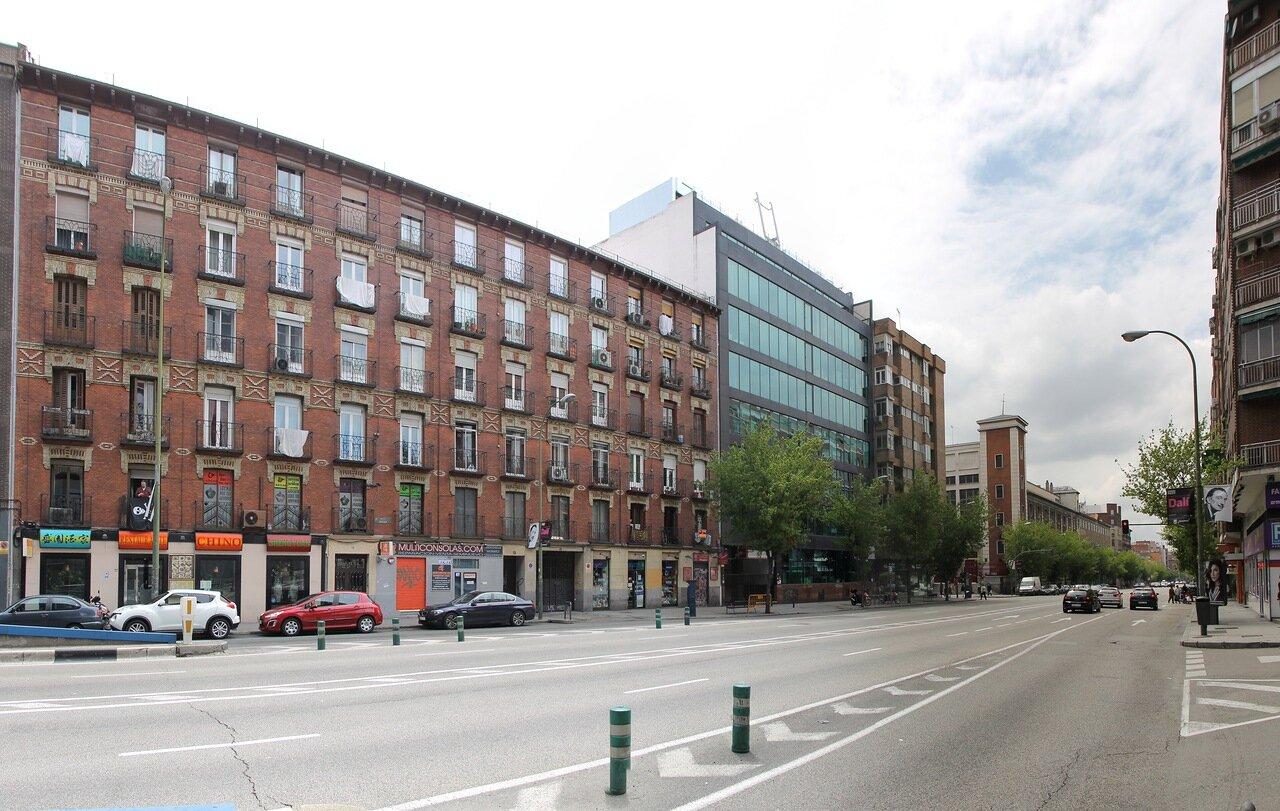 Мадрид. Проспект Аточа (Ronda de Atocha)
