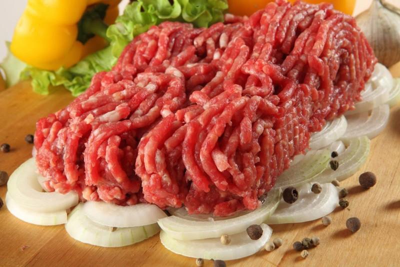 6. Готовьте фарш самостоятельно Мясо, которое используют в магазине для приготовления развесного или