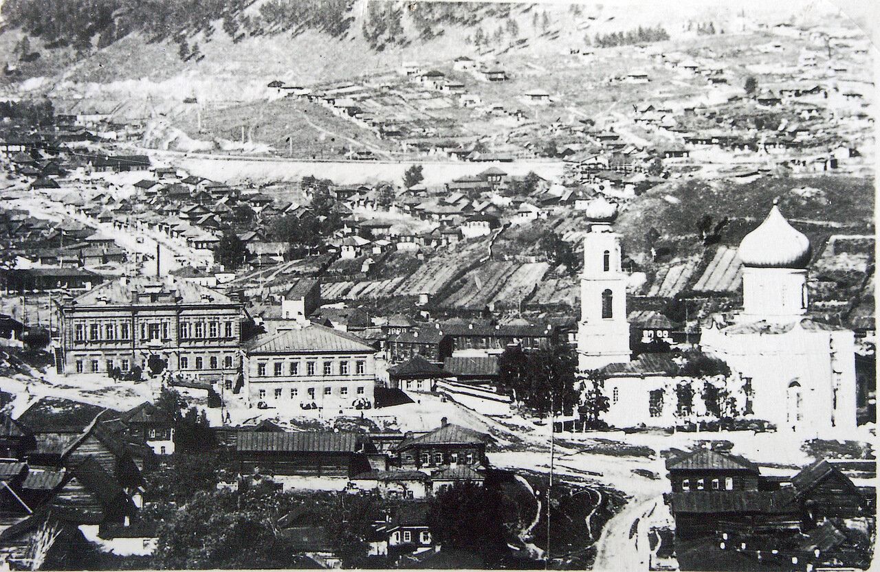 1900. Женская гимназия и Никольская церковь