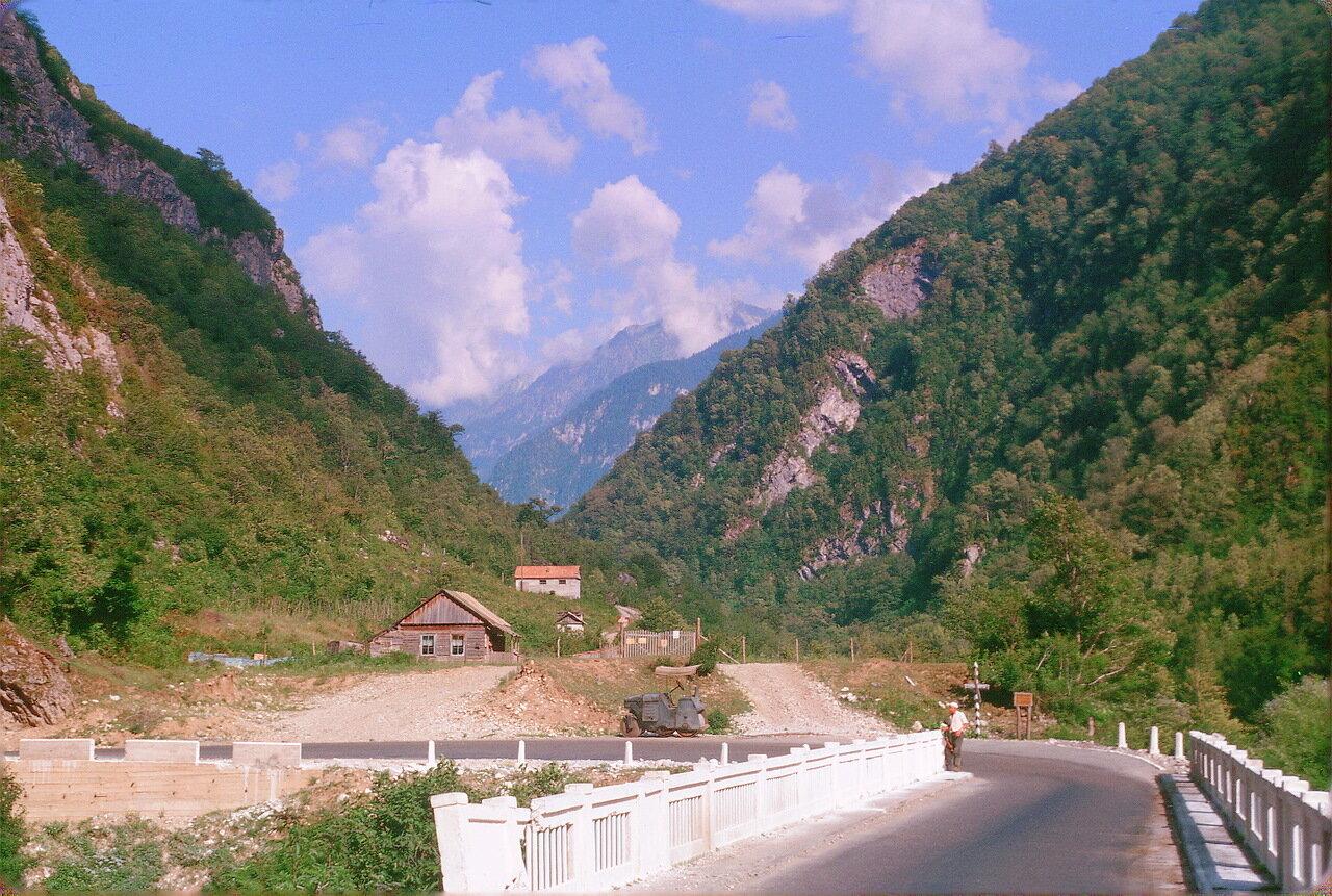 Абхазия. Ущелье Гега