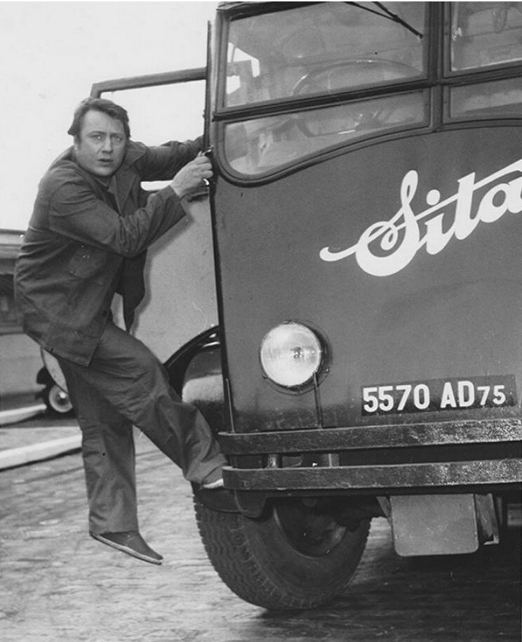 1950-е. Раймонд Дево - французский комик
