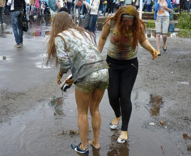 На фестивале красок в москве 14 фото