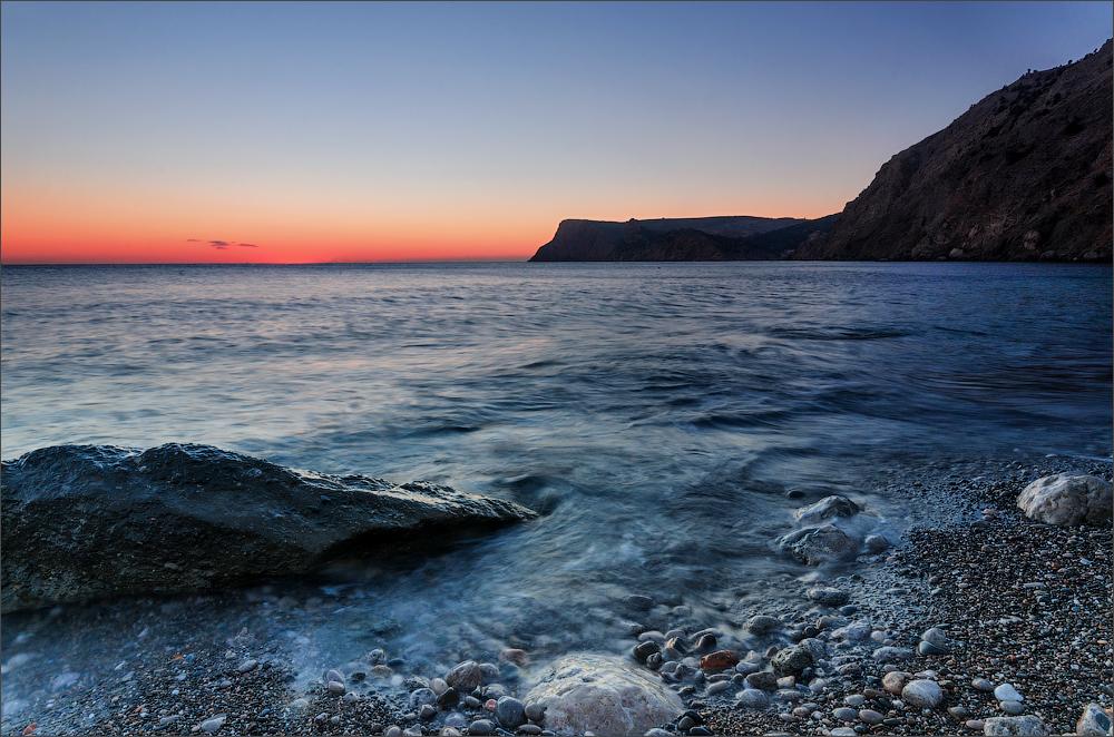 Черное море после красного заката